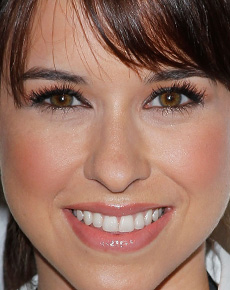 Lacey Chabert's Face
