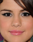 to SGE. This is a blog that supports Selena Gomez's brown eyes. c